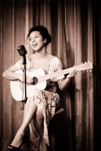 Myra Maud - Singer und Songwriterin - karibische Musik